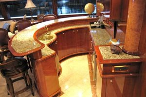 105' Intermarine Raised Pilothouse 2000 Photo 6_105_Intermarine