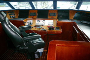 105' Intermarine Raised Pilothouse 2000 Photo 9_105_Intermarine