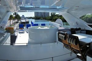 105' Intermarine Raised Pilothouse 2000 Photo 24_105_Intermarine
