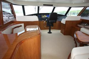 76' Viking 76 EB Convertible 2012 Flybridge salon III