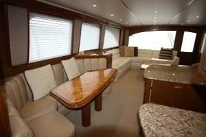 76' Viking 76 Eb Convertible 2012 Starboard settee
