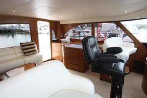 76' Viking 76 EB Convertible 2012 Flybridge salon II