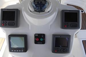 50' Hunter 50 Center Cockpit 2010 Instruments