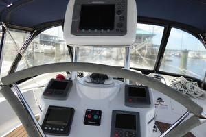 50' Hunter 50 Center Cockpit 2010 Helm