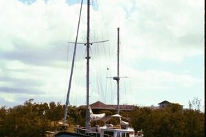 50' De Vries Motorsailer 50 1985 At the moooring