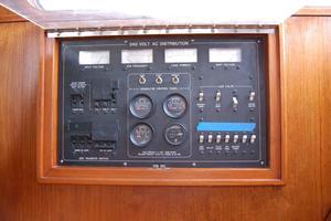 50' De Vries Motorsailer 50 1985 AC control panel