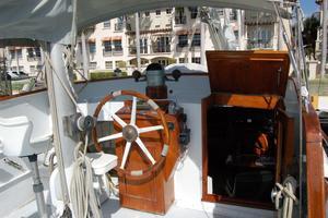 50' De Vries Motorsailer 50 1985 Deck pilot station
