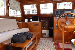 50' De Vries Motorsailer 50 1985 Pilot house with settee