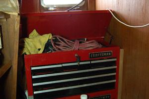 50' De Vries Motorsailer 50 1985 Tool storage with door