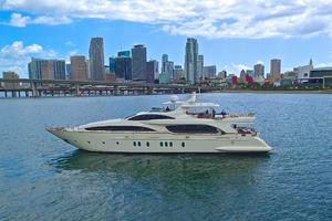 Azimut 116' Flybridge 2004 HAPPY HOUR