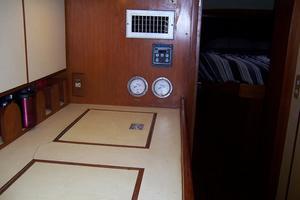 44' Hylas 44 Center Cockpit Sloop 1987 44 Hylas Galley Reefers