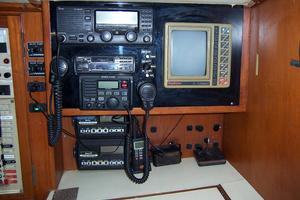 44' Hylas 44 Center Cockpit Sloop 1987 44 Hylas Lower Electronics