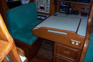 44' Hylas 44 Center Cockpit Sloop 1987 44 Hylas Nav Table