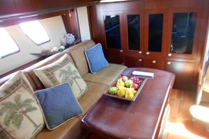 48' Sea Ray 48 Sundancer 2006 Salon to starboard looking aft