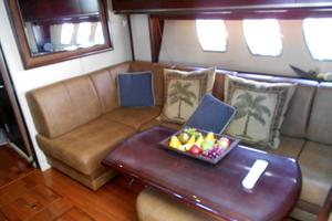 48' Sea Ray 48 Sundancer 2006 Salon Seating to Starboard