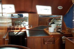 62' Custom Sportsfisherman 1984 Striker 62 Salon Forward View