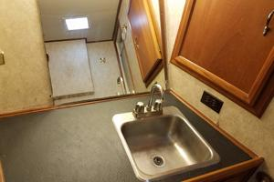 62' Custom Sportsfisherman 1984 Striker 62 Vanity