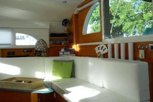 57' Lagoon 570 2001 Salon lounge