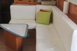 57' Lagoon 570 2001 Salon lounge 3