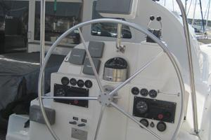 57' Lagoon 570 2001 Stbd side helm