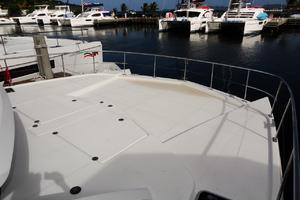 39' Leopard 39 PC 2012 Foredeck