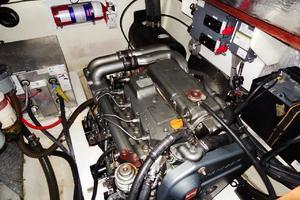 39' Leopard 39 PC 2012 Engine Port 1