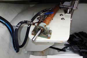 39' Leopard 39 PC 2012 Steering Gear