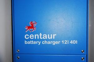 39' Leopard 39 PC 2012 Battery Charger