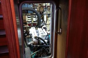 50' Diesel Duck Enhanced 50 2002 Diesel Duck  50 Engine room Campaionway