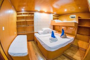 Custom 110 Motor Yacht VIP Stateroom