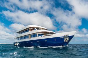 2016 Custom Motor Yacht 110 Explorer