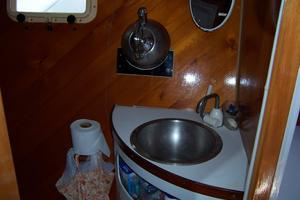 55' Chris White Juniper 2 Trimaran 1989 Head Vanity/ Sink