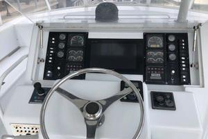60' Hatteras Convertible 1999 Flybridge Console