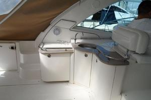 48' Sea Ray 48 Sundancer 2005 Wet bar