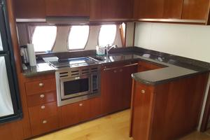48' Sea Ray 48 Sundancer 2005 Galley