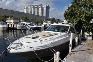 48' Sea Ray 48 Sundancer 2005 Bow deck