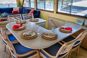 74' Hatteras Motor Yacht With Cockpit 1990 Salon Dining Table