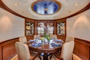 118' Broward Raised Pilothouse MY 2000 Dining Salon