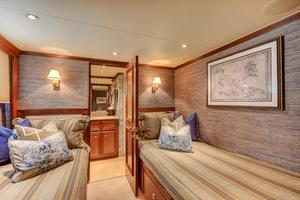 118' Broward Raised Pilothouse My 2000 Twin Guest Stateroom