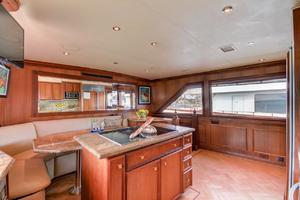 118' Broward Raised Pilothouse MY 2000 Galley Dinette