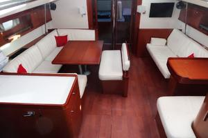54' Beneteau Oceanis 54 2011 Saloon/Galley