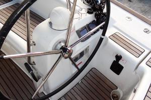 54' Beneteau Oceanis 54 2011 Helm 1
