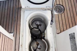 54' Beneteau Oceanis 54 2011 Gas Locker