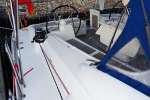 54' Beneteau Oceanis 54 2011 Cockpit Side