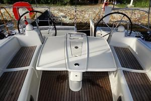 54' Beneteau Oceanis 54 2011 Cockpit Table