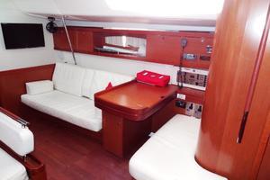 54' Beneteau Oceanis 54 2011 Saloon/Nav