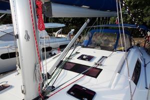54' Beneteau Oceanis 54 2011 Boom