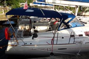 54' Beneteau Oceanis 54 2011 Aft