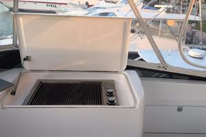 72' Donzi  1995 Custom flybridge BBQ2