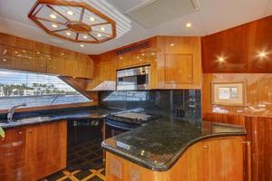 86' Hatteras Sport Fisherman 2002 Galley